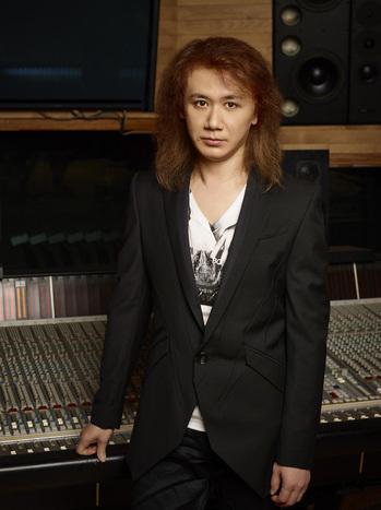 SHIMIZU_TAKEHITO_solo.jpg